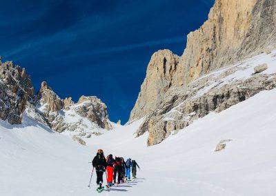 raid à ski en italie, montée en ski de randonnée