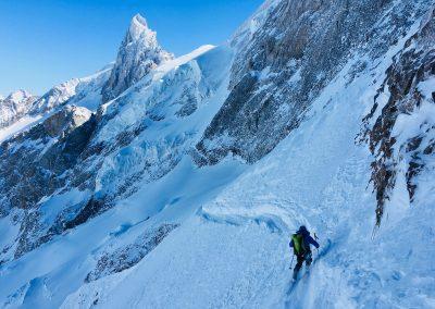 ski hors piste dans des couloirs à la Grave