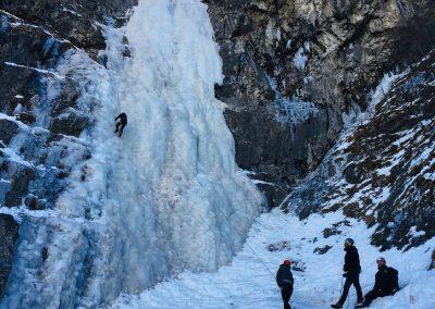 Initiation à la cascade de glace avec Raphaël Wagon