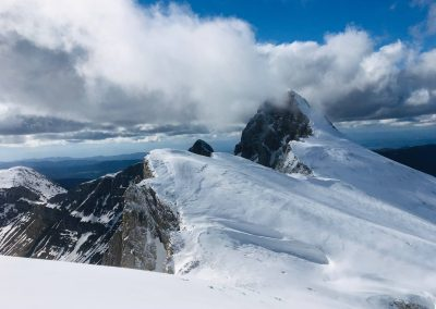 Arrêtes du vercors pendant une sortie en ski de randonnée